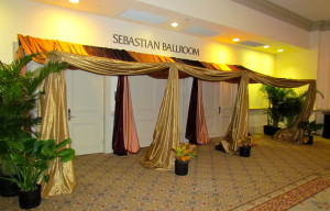 Grand Beduoin Tent Entry (1)